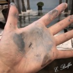 I do not even pretend that I can stay clean while painting :-P
